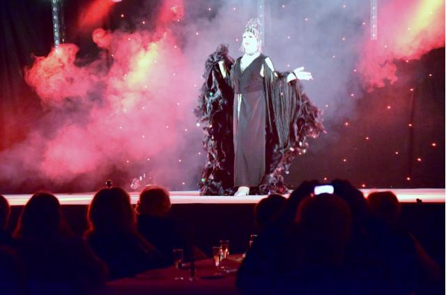 Cabaret PORT DES BARQUES 010