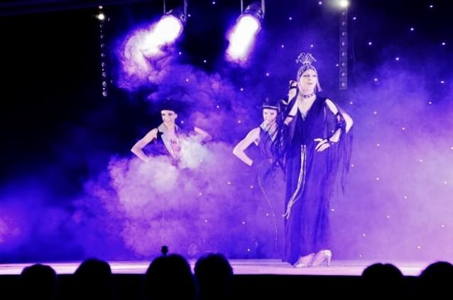 Cabaret PORT DES BARQUES 011