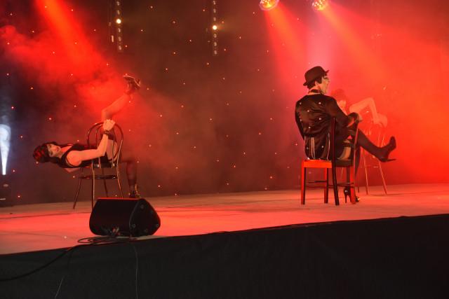 Cabaret PORT DES BARQUES 042