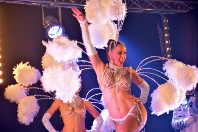 Cabaret PORT DES BARQUES 076